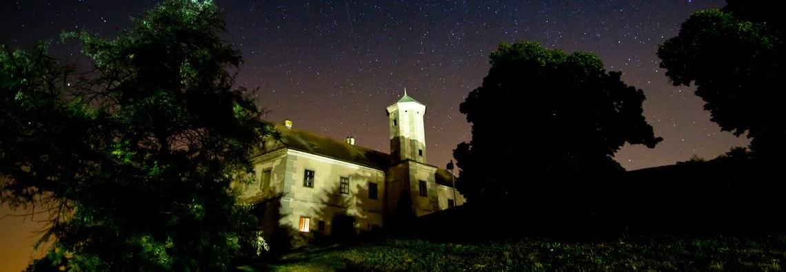 Schloss Jedenspeigen in einer lauen Sommernacht (c) Petra Blauensteiner